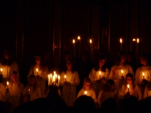 Chorus by candlelight. Sweet sweet singing all in Swedish.