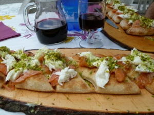 Abruzzo is not the pizza capital of Italy, but this salmon, mozzarella and pistachio pizza was to die for.