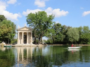 The lake in Villa Borghese. Very small, but quite sweet.