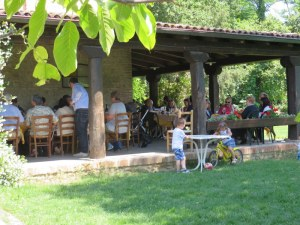 Lunch on the veranda at Corte d'Aibo is a family affair.