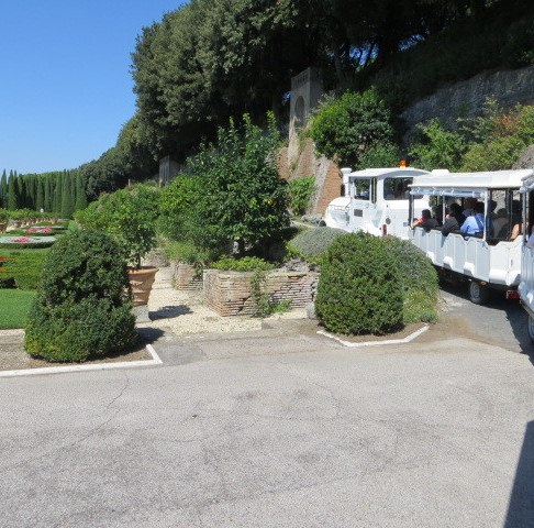 The trenino that ferried us through the Pope's gardens at Albano.