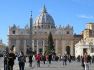 Piazza San Pietro. The tree is large, but dwarfed by the basilica, as is everything in Roma.