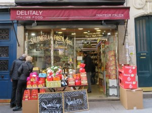 Parisians can find panettone, pandoro and other Italian treats, too.