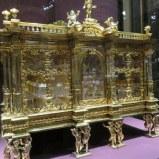 Habsburg medicine chest. See the little vials inside?