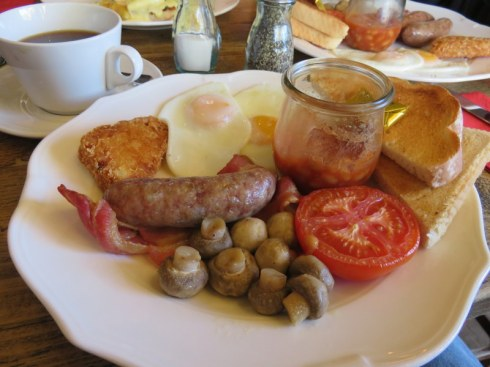 The Big Ben Breakfast at the Red Lion Pub was a treat on Derek's birthday.
