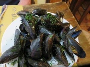 Cozze (mussels) marinara at Vico Palla.