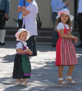 Tyrolean dress for all ages.