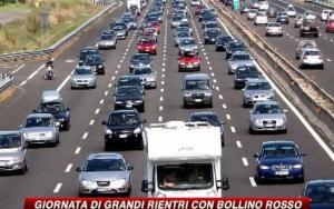 The great return even gets news coverage due to the crowded autostrada.