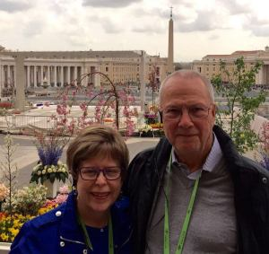 Piazza San Pietro at Easter. We've had a marvelous time here!