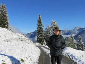 RIc brought his Swiss hiking hat along, luckily. On the trail from Grütschalp to Mürren.