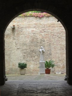 A courtyard in Urbino.
